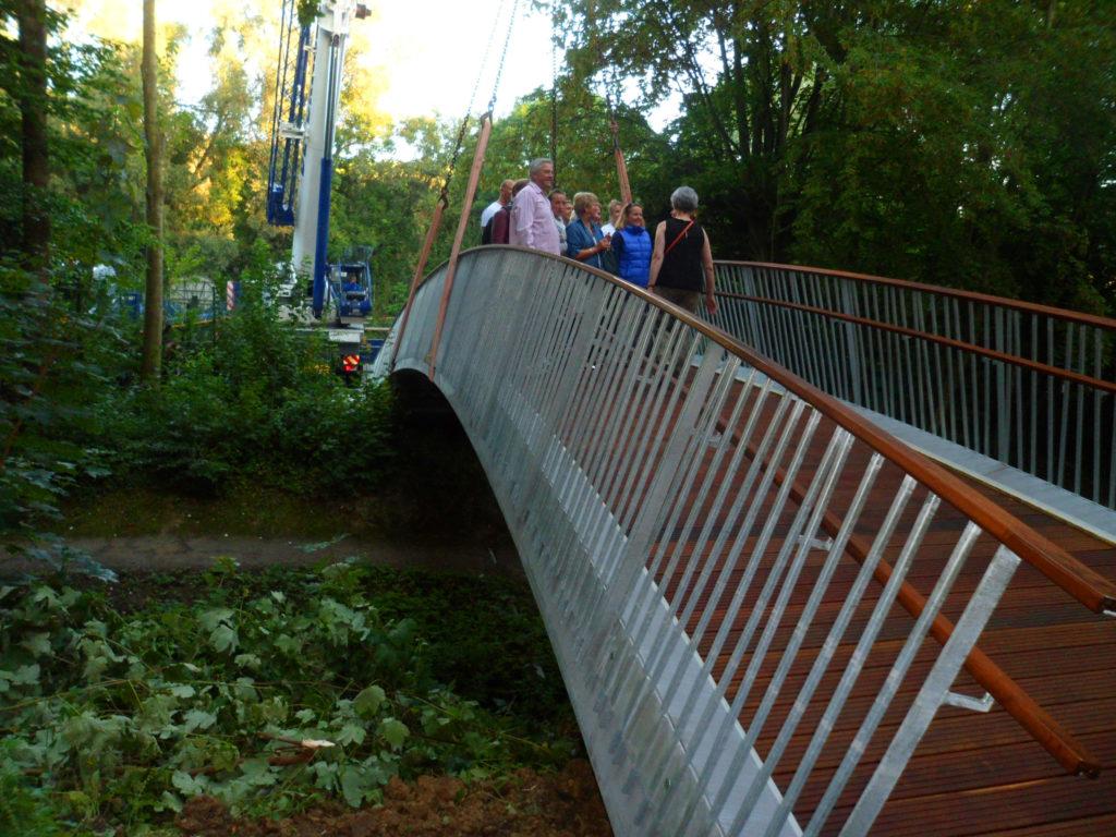 Singelijn school footbridge